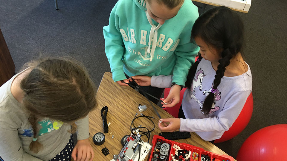 SacoSTEAM funds inaugural grant to support Lego Robotics